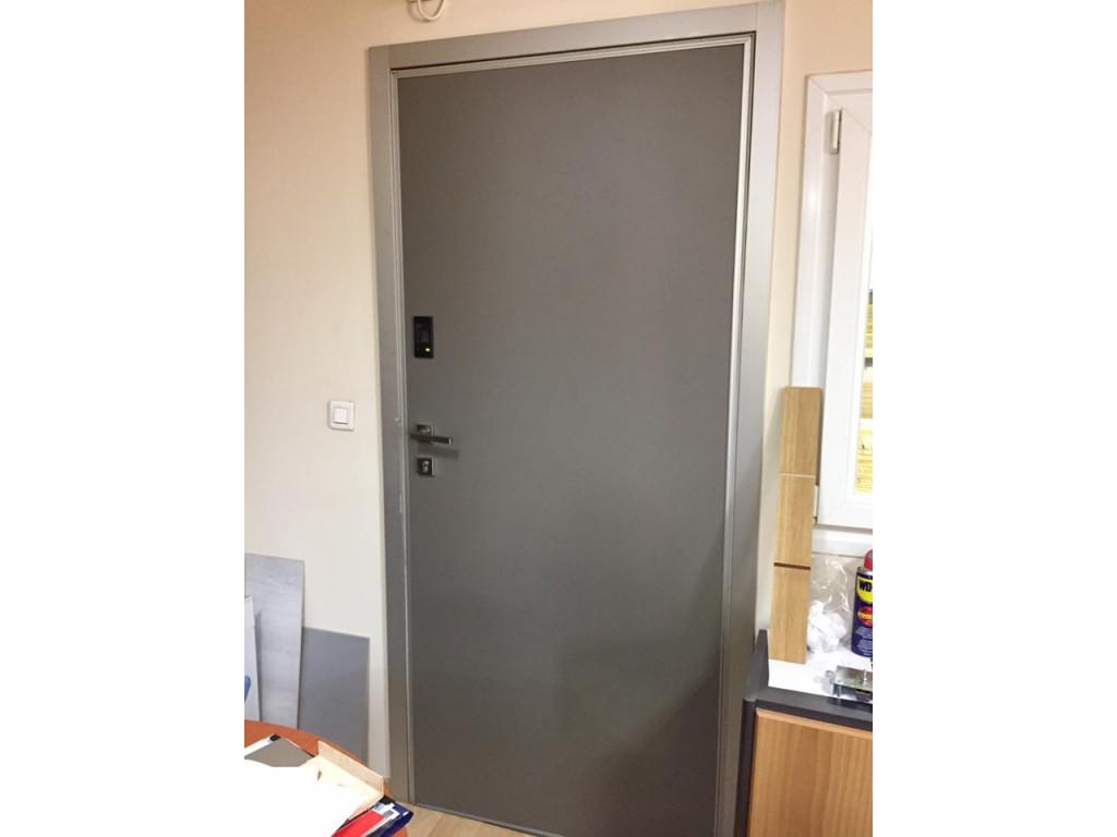 Πόρτα ασφαλείας Παλαιό Φάληρο Dierre Elettra digit με κρυφούς μεντεσέδες και κωδικό Δείτε έργα μας