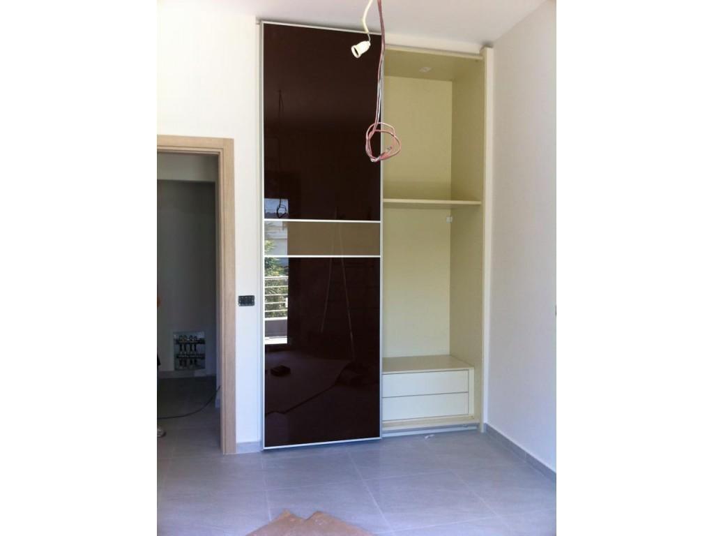 Συρόμενη δίφυλλη ντουλάπα με τζάμι καφέ Ιδέες για ντουλάπες